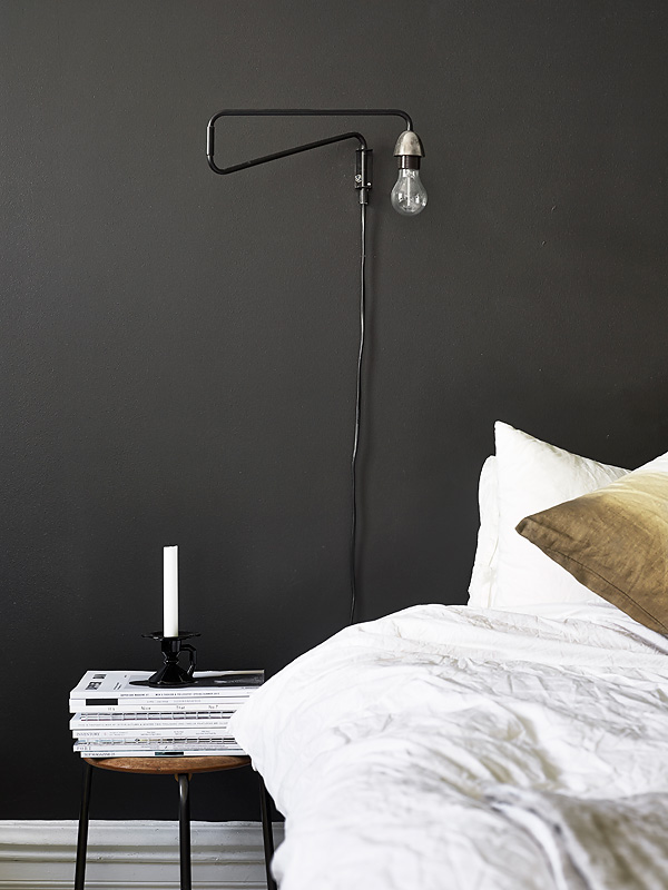 Black Bedroom Wall COCO LAPINE DESIGNCOCO LAPINE DESIGN
