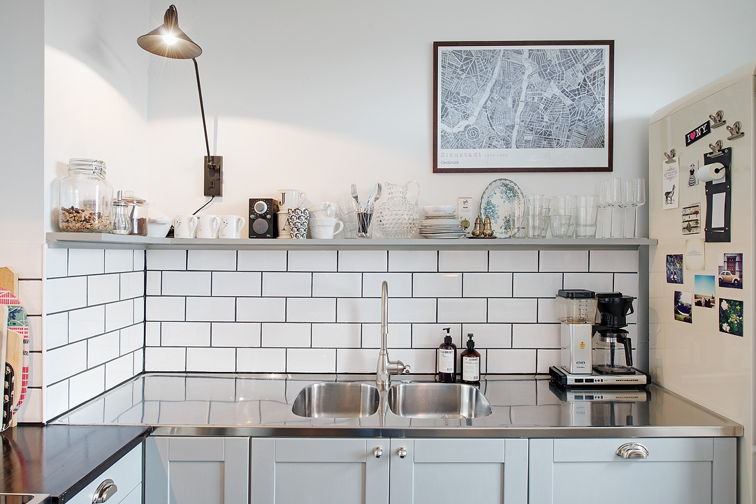 Antique in the kitchen  COCO LAPINE DESIGNCOCO LAPINE DESIGN -> Kuchnia Tapeta Zamiast Plytek