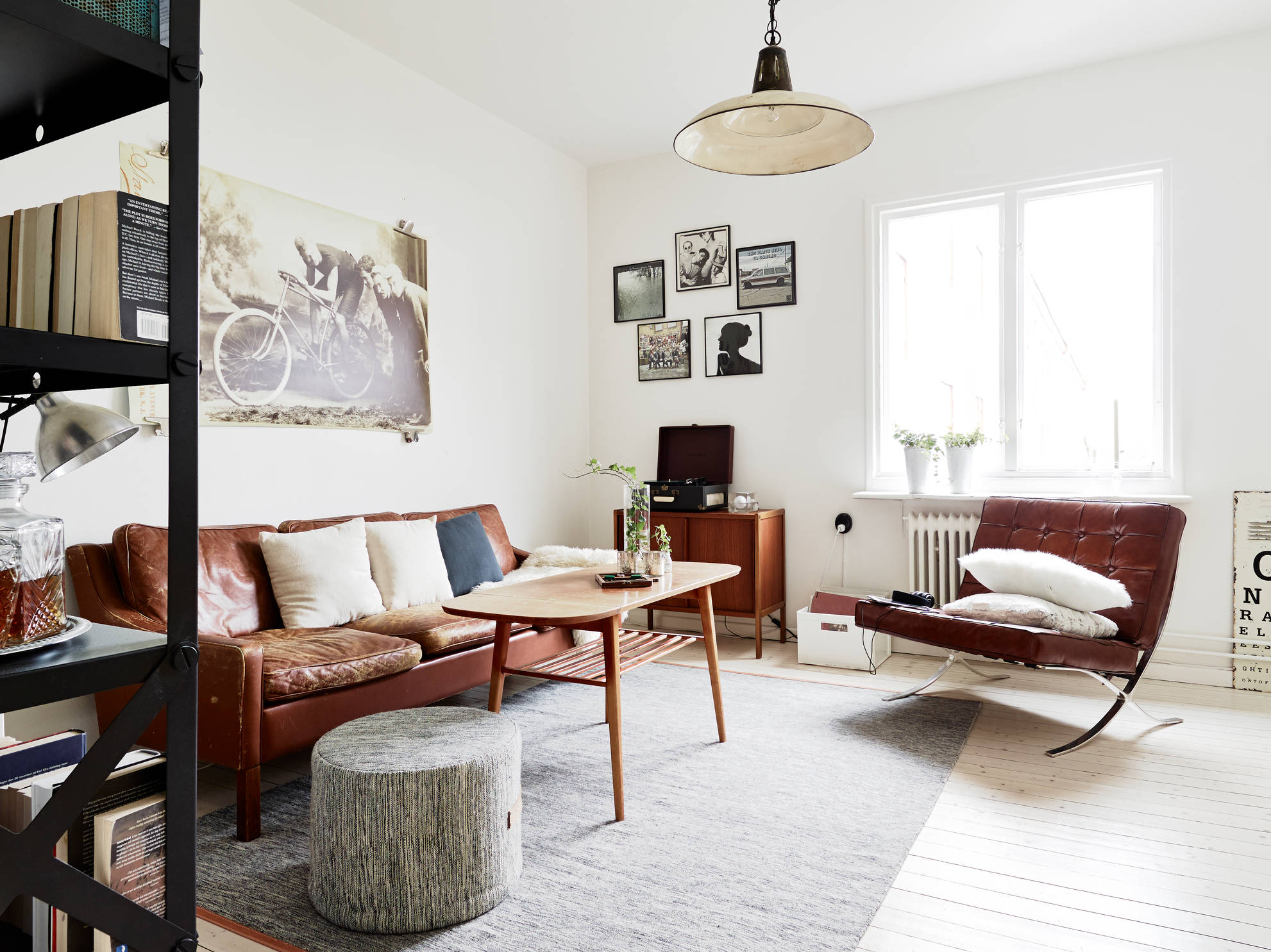beautiful home with vintage furniture coco lapine designcoco lapine design. Black Bedroom Furniture Sets. Home Design Ideas