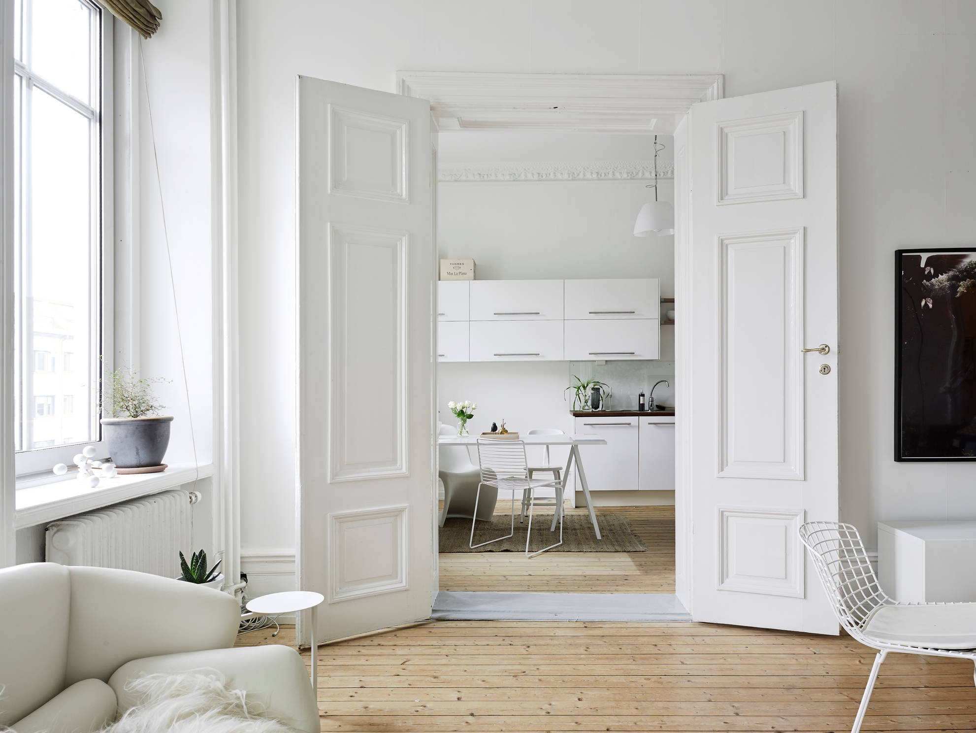 Neutrals and clean lines in an old building coco lapine for Porte westag