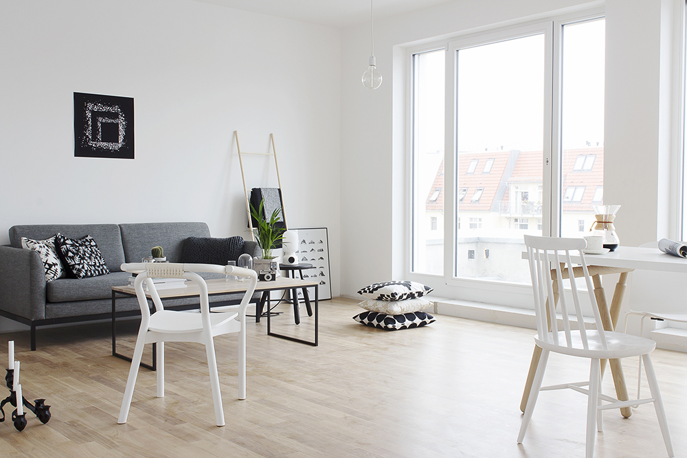 White and wood tints in a Berlin home - COCO LAPINE ...