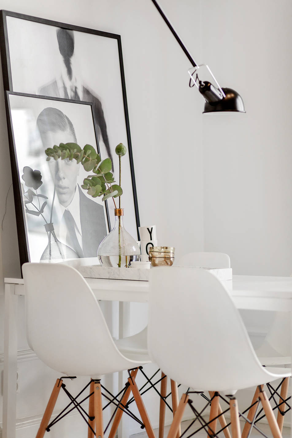 white and grey apartment, scandinavian interior, via www.scandinavianlovesong.com