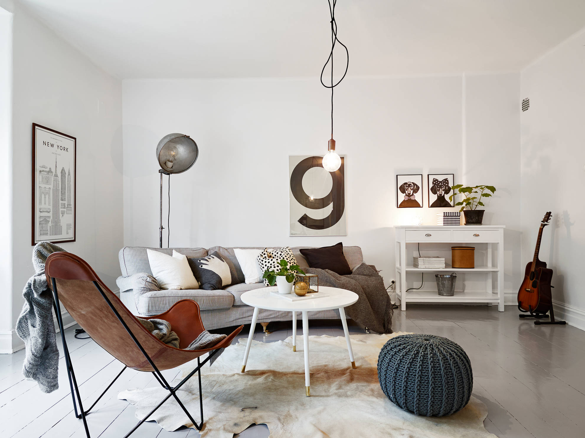 Classic And Mid Century Modern Combined Into A Cozy