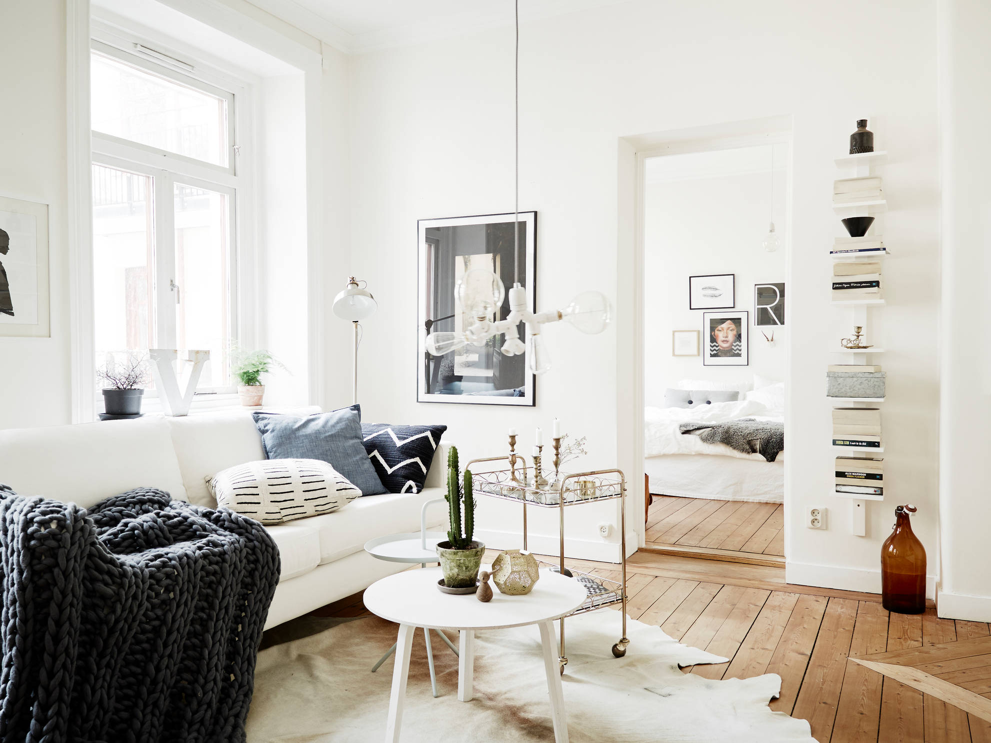Vibrant White Home With Old Hardwood Floors Coco Lapine