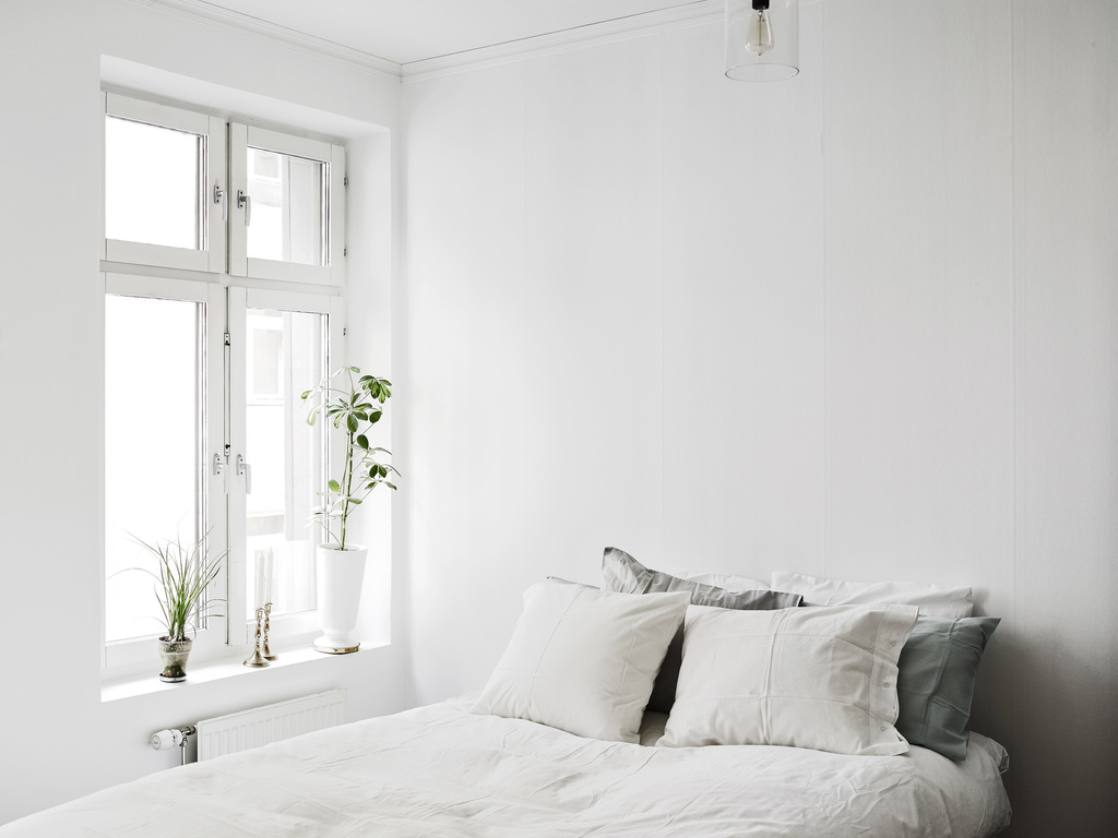 two floor apartment with a chair as a shelf coco lapine designcoco lapine design. Black Bedroom Furniture Sets. Home Design Ideas