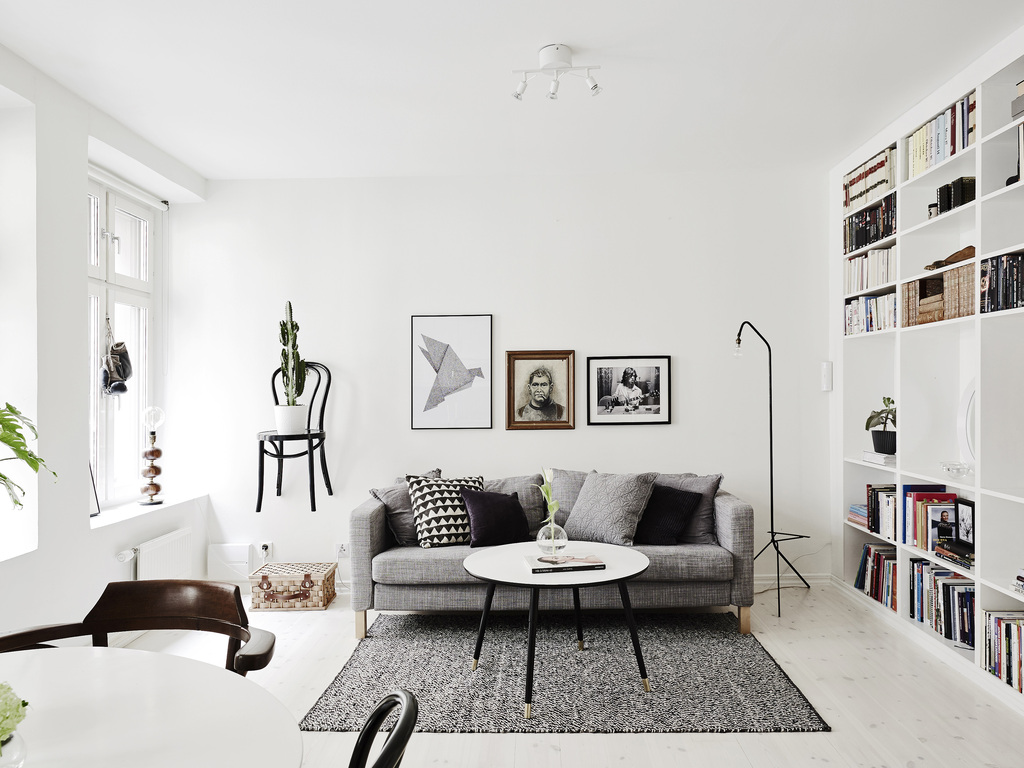 Two floor apartment with a chair as a shelf coco lapine for Two floor apartment