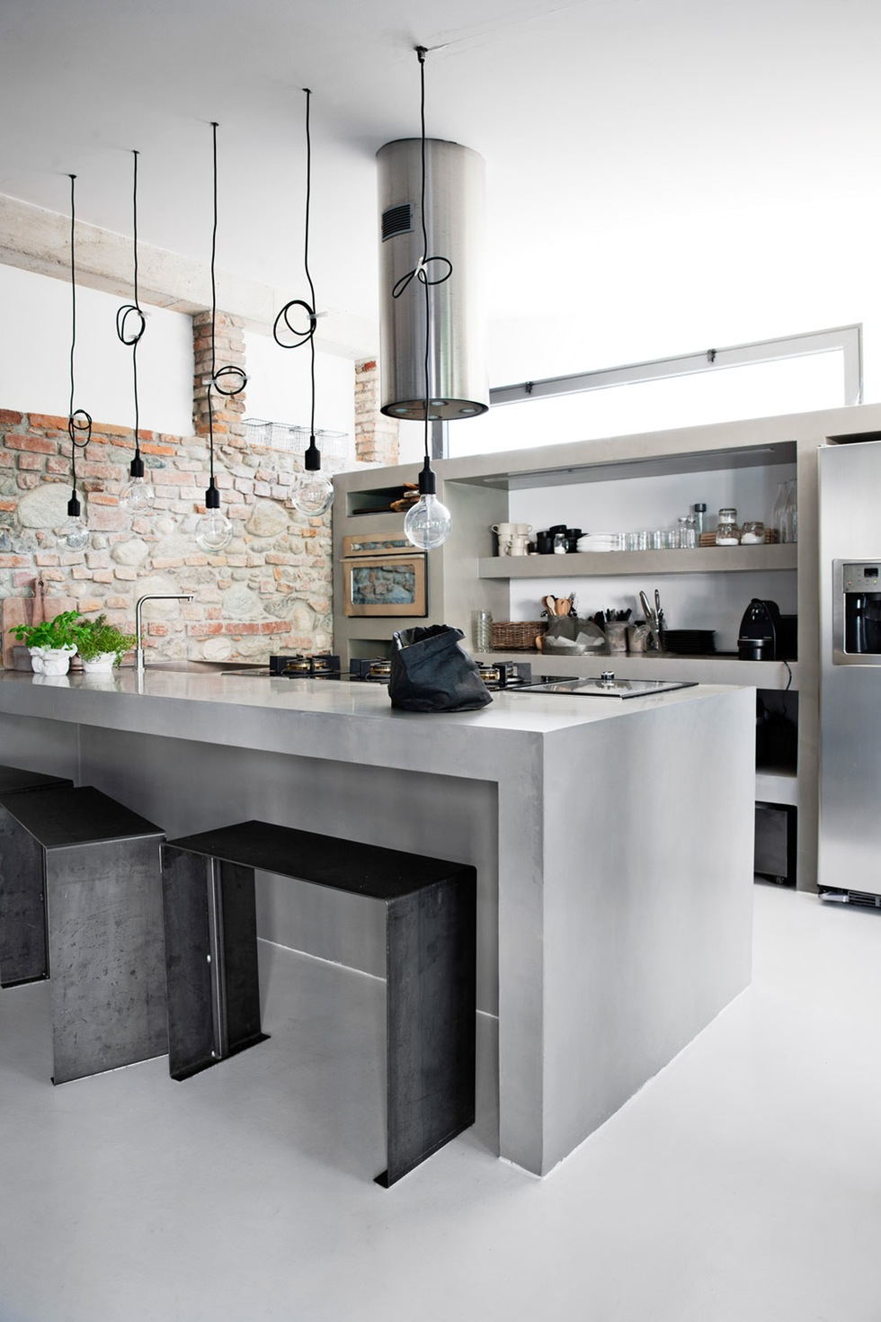 White and concrete for an industrial look coco lapine designcoco lapine design - Material para cocinas modernas ...