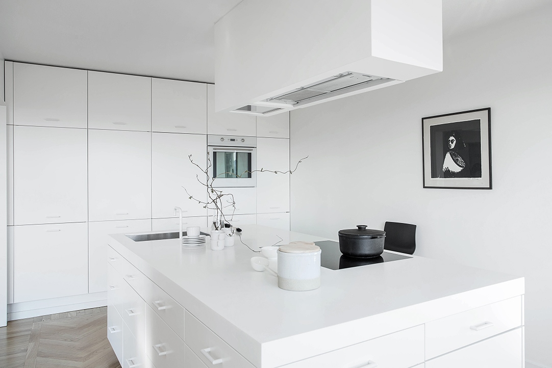 Bright Home With A Spacious Kitchen Coco Lapine