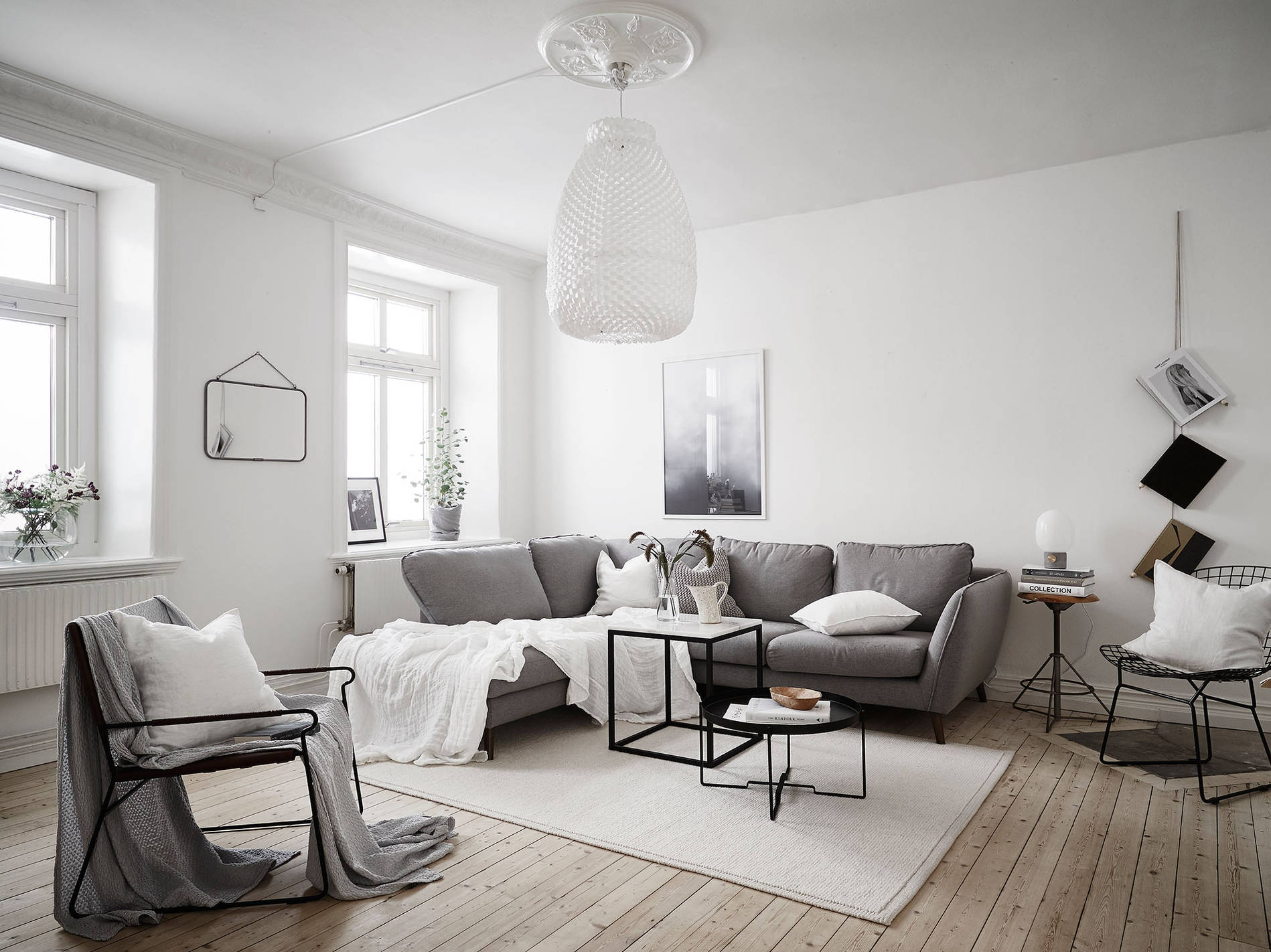 Neutral home with black accents coco lapine designcoco for Homes r us living room