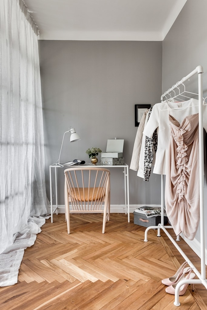 Grey Home With A Glass Partition Coco Lapine Designcoco