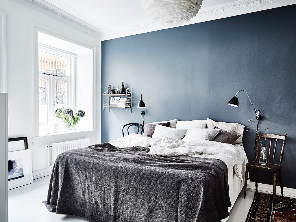 blue bedroom wall coco lapine designcoco lapine design. Black Bedroom Furniture Sets. Home Design Ideas