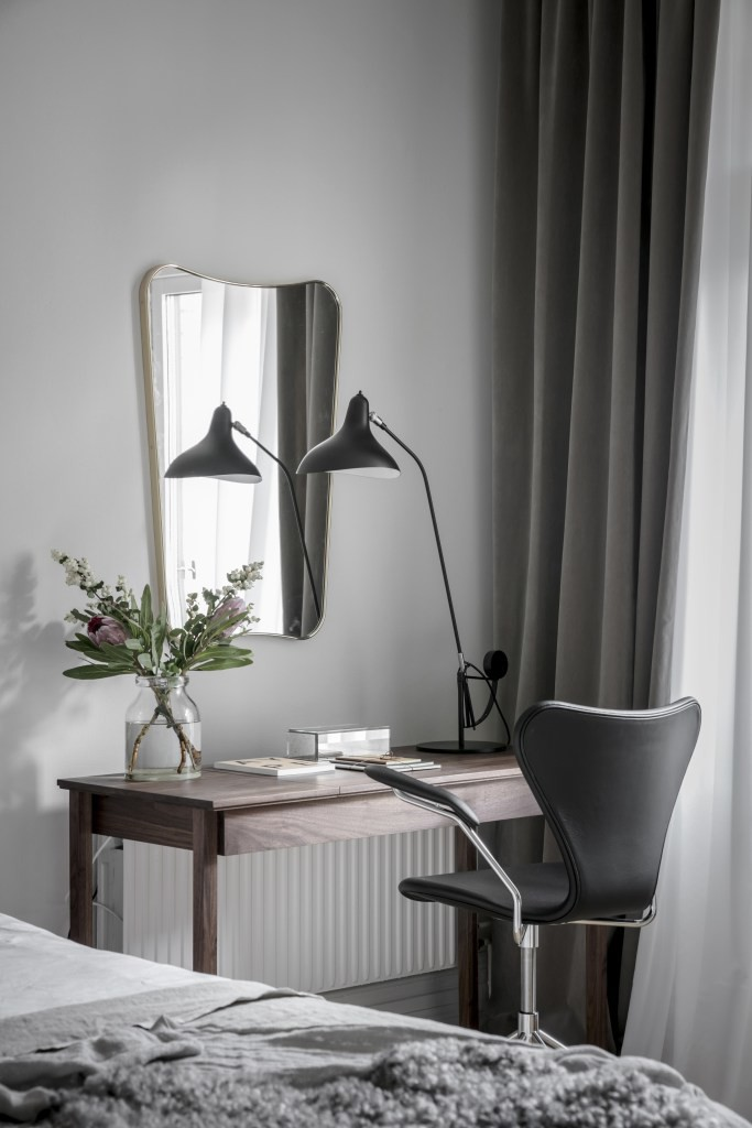 10 inspiring small home offices coco lapine designcoco for 9 x 12 office design