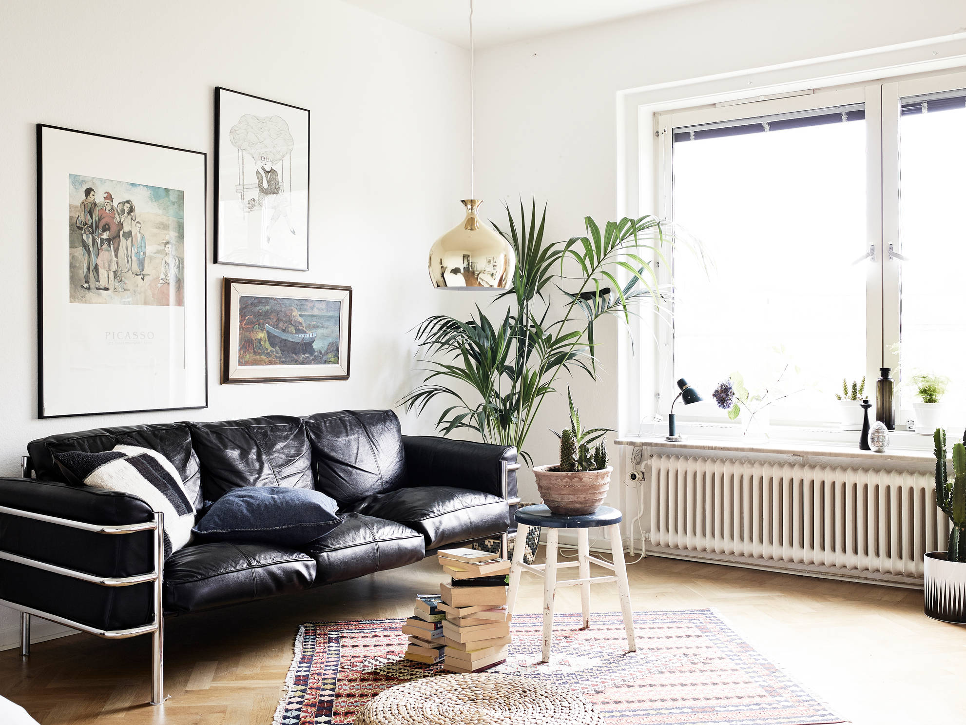 Mid century modern flat with lots of plants   coco lapine ...