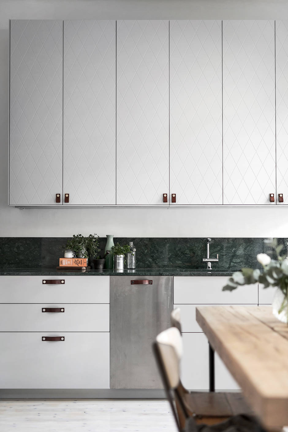 Cozy Home With A Green Marble Kitchen Coco Lapine Designcoco Lapine Design
